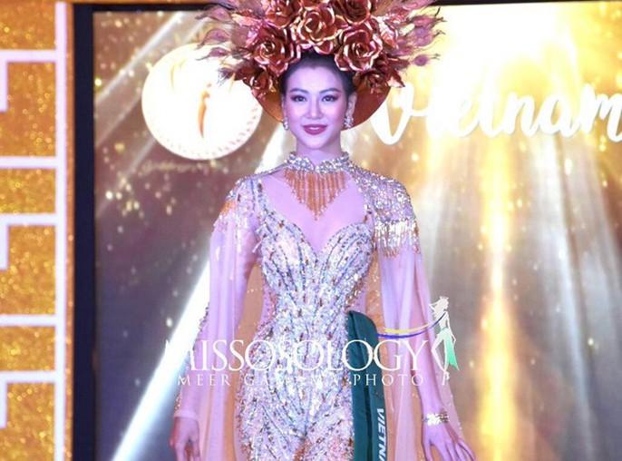 Nguyễn Phương Khánh thắng giải vàng trang phục dân tộc cuộc thi Hoa hậu Trái đất - Ảnh 2.
