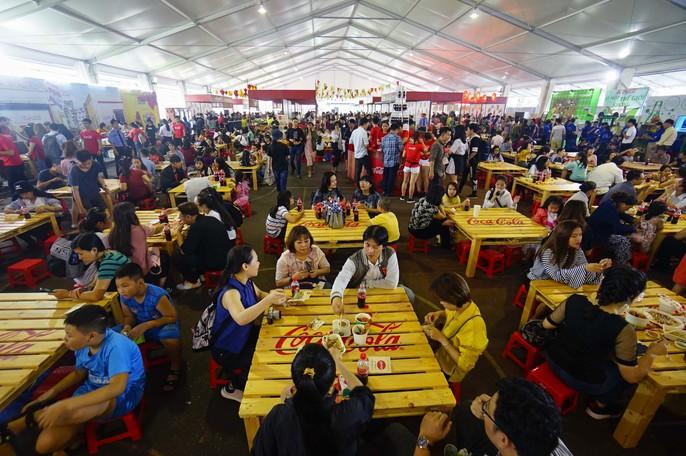 Hàng trăm món ngon tại Lễ hội ẩm thực châu Á - Ảnh 4.