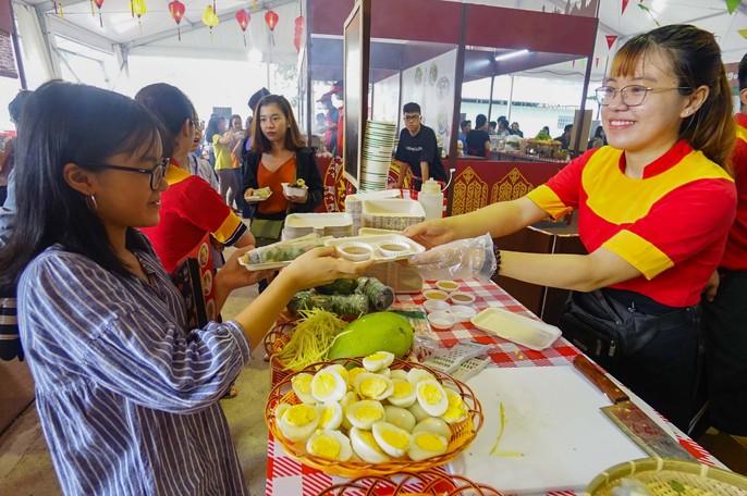 Hàng trăm món ngon tại Lễ hội ẩm thực châu Á - Ảnh 8.