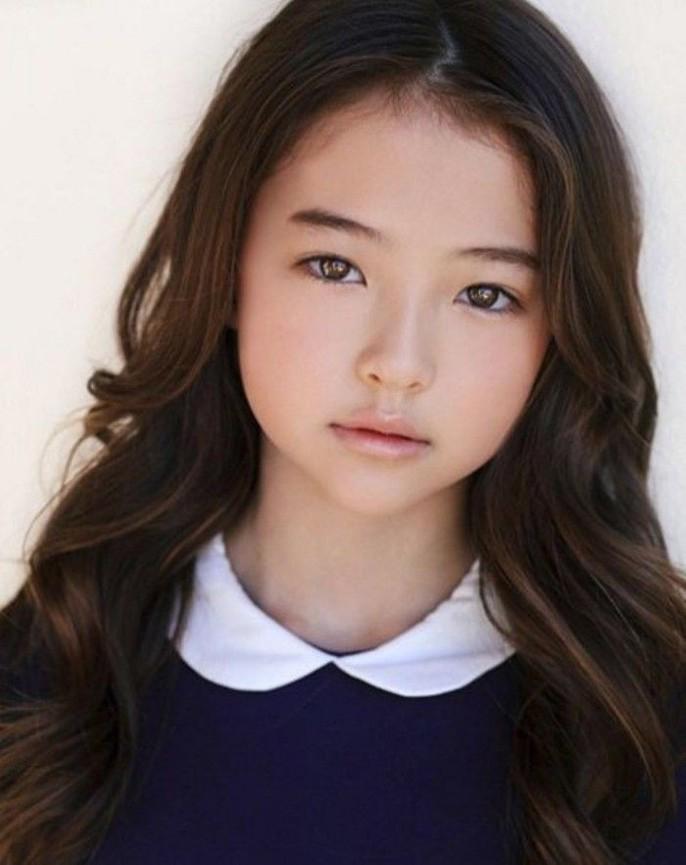 Tiểu Song Hye Kyo chạm mốc triệu lượt theo dõi ở tuổi lên 10 - Ảnh 11.