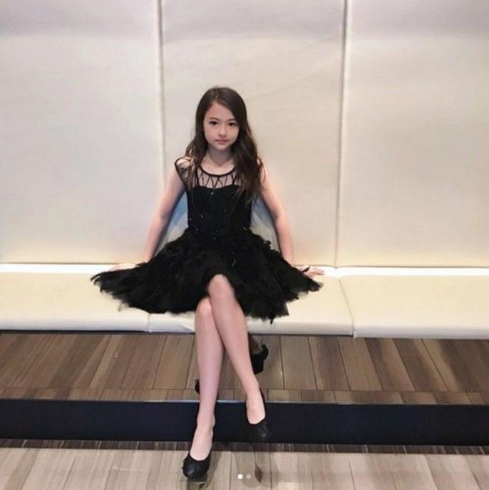 Tiểu Song Hye Kyo chạm mốc triệu lượt theo dõi ở tuổi lên 10 - Ảnh 6.