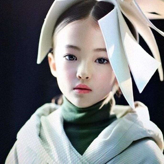 Tiểu Song Hye Kyo chạm mốc triệu lượt theo dõi ở tuổi lên 10 - Ảnh 10.