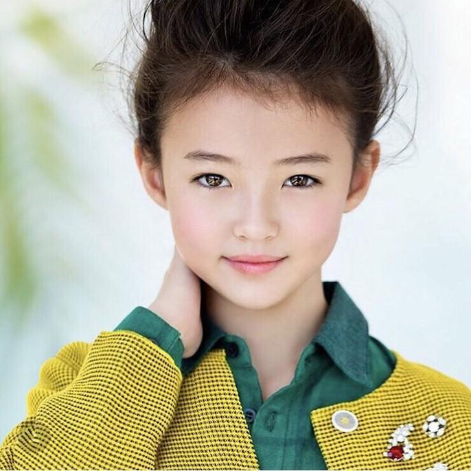 Tiểu Song Hye Kyo chạm mốc triệu lượt theo dõi ở tuổi lên 10 - Ảnh 9.