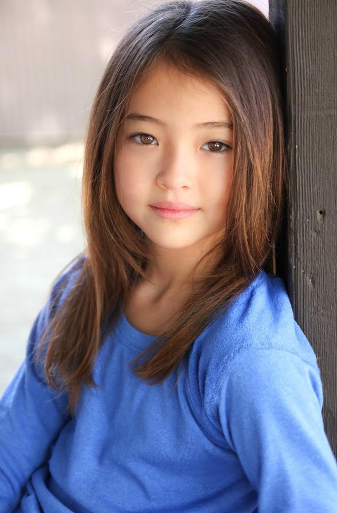 Tiểu Song Hye Kyo chạm mốc triệu lượt theo dõi ở tuổi lên 10 - Ảnh 1.