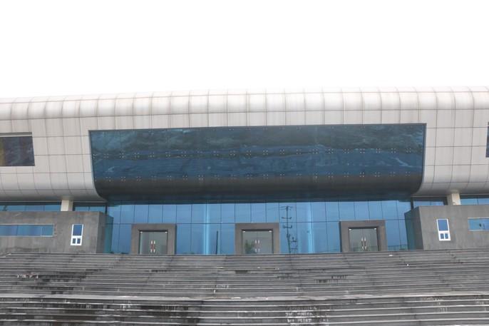 Cận cảnh bên trong nhà hát 117 tỉ đồng đắp chiếu ở Hà Nội - Ảnh 2.
