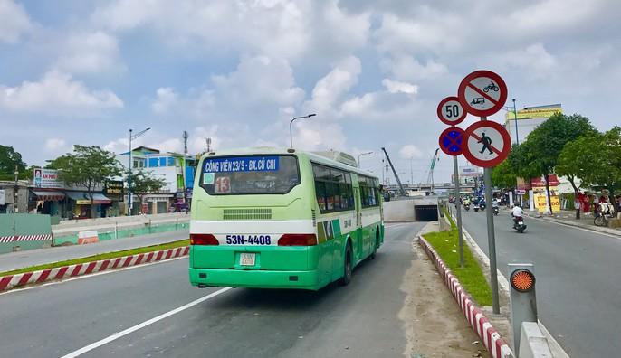 Cận cảnh những công trình mở lối giao thông tại TP HCM - Ảnh 7.