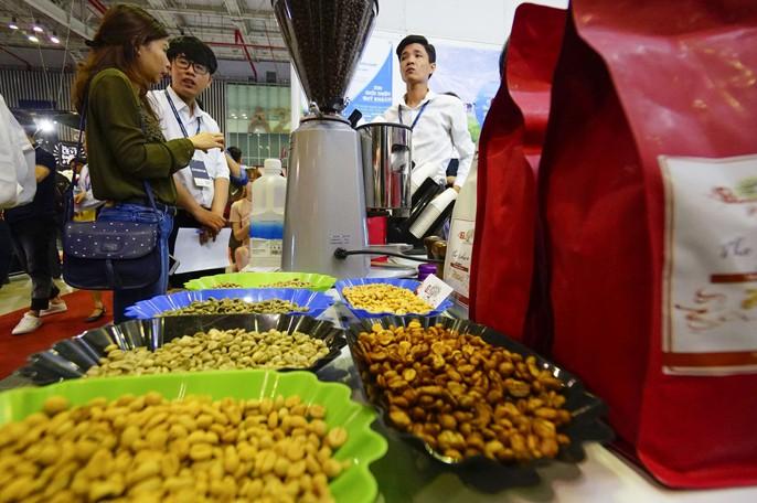 Máy bán cà phê rang xay tự động đầu tiên tại Việt Nam