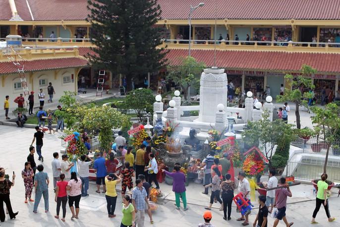 Ngôi chợ gần 100 tuổi ở TP HCM chính thức mở cửa trở lại