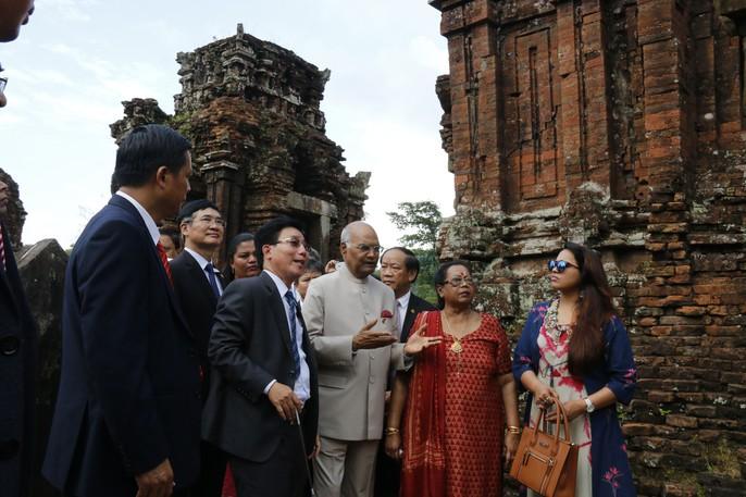 Tổng thống Ấn Độ cùng phu nhân thăm di sản thế giới Mỹ Sơn - Ảnh 9.