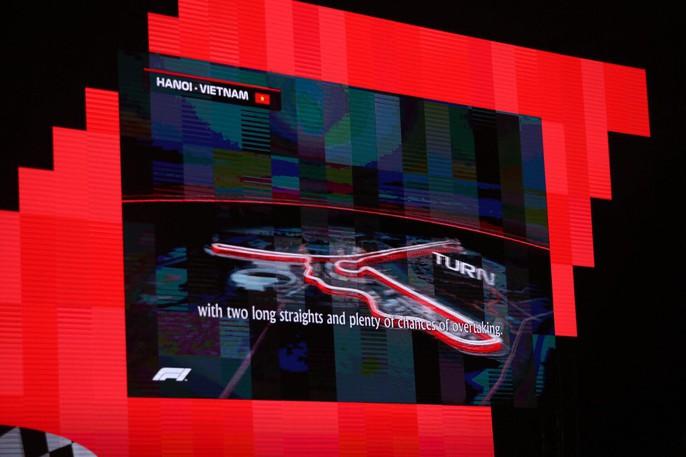 Cận cảnh siêu xe đua F1 ra mắt tại Hoàng thành Thăng Long - Ảnh 15.