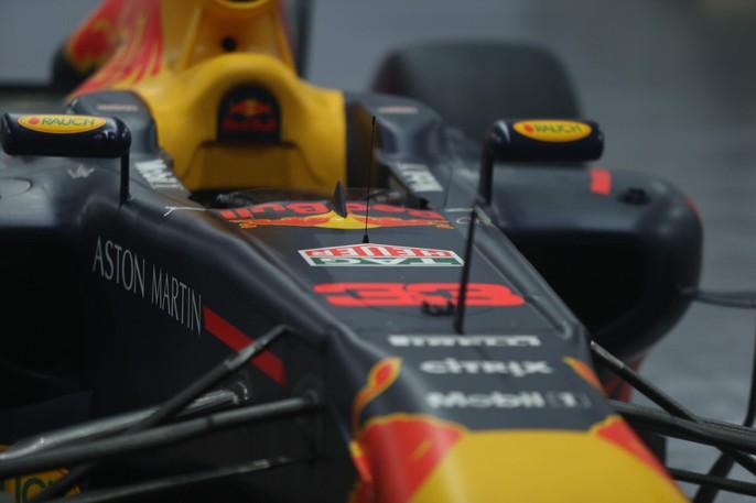 Cận cảnh siêu xe đua F1 ra mắt tại Hoàng thành Thăng Long - Ảnh 5.