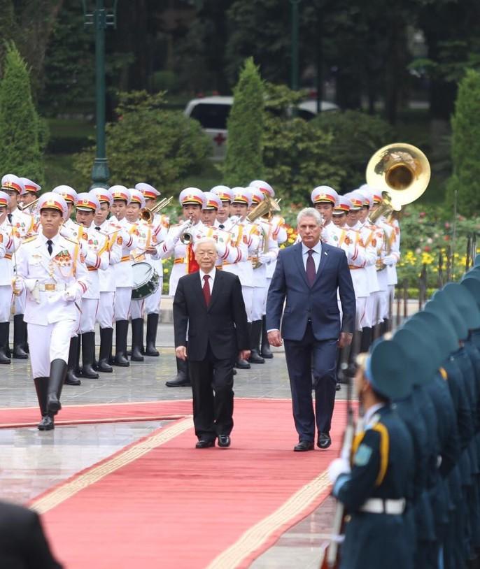 Cận cảnh Tổng Bí thư, Chủ tịch nước Nguyễn Phú Trọng đón Chủ tịch Cuba - Ảnh 5.