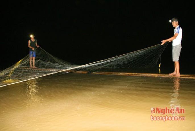 Bí ẩn miền Tây xứ Nghệ: Loài cá nặng hàng yến, dài cả mét - Ảnh 2.