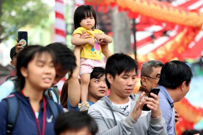 108 con lân đồng diễn, xếp hình Quốc kỳ xác lập kỷ lục Guinness Việt Nam - Ảnh 7.