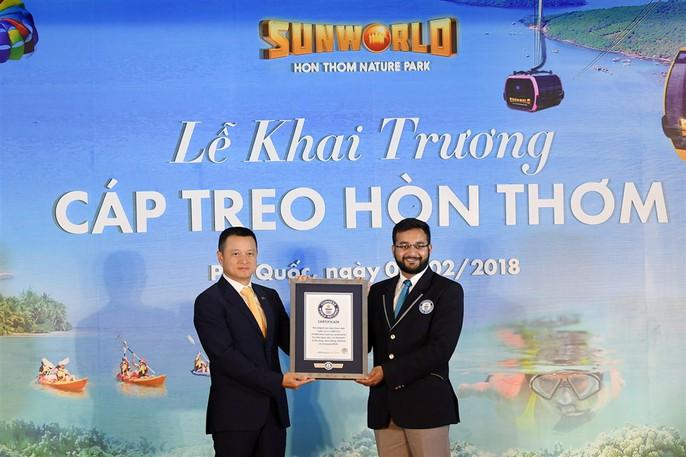 Ngắm cáp treo dài nhất thế giới tại Phú Quốc ngày khánh thành - Ảnh 2.