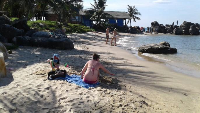 Chiêm ngưỡng bãi tắm tuyệt đẹp dành cho khách Tây ở Phú Quốc - Ảnh 15.