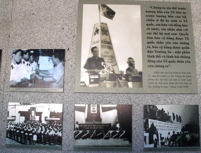 Rơi nước mắt dâng hương tưởng niệm chiến sĩ Gạc Ma - Ảnh 12.