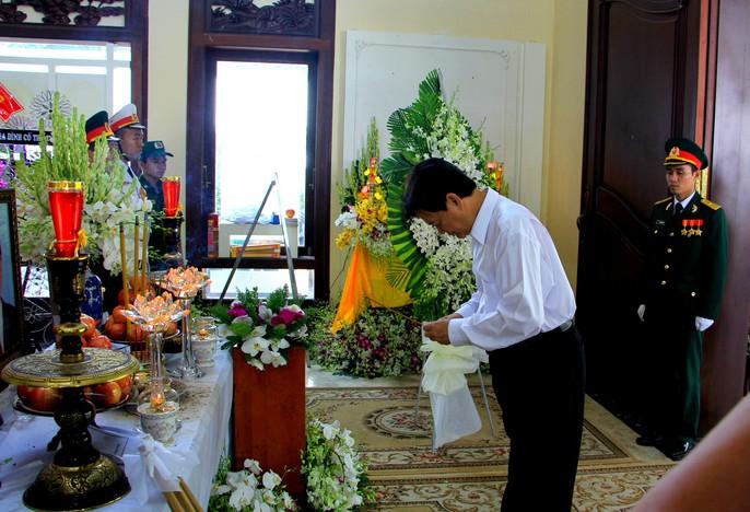 Nguyên Thủ tướng Nguyễn Tấn Dũng tiễn biệt cố Thủ tướng Phan Văn Khải - Ảnh 3.
