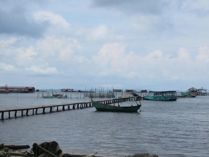 Khám phá vẻ đẹp hoang sơ của Làng chài Rạch Vẹm ở Phú Quốc - Ảnh 1.