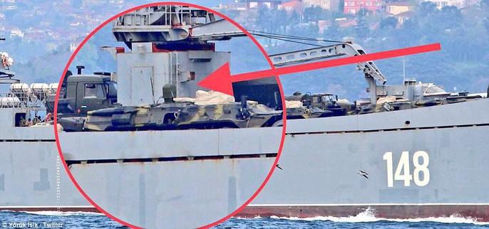 Tàu chiến Nga chở đầy khí tài tiến về Syria - Ảnh 4.