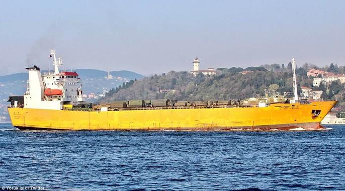 Tàu chiến Nga chở đầy khí tài tiến về Syria - Ảnh 5.