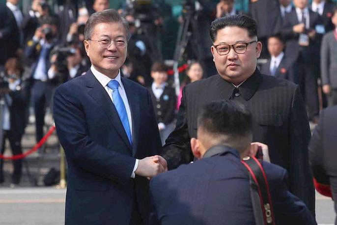 Video: Những khoảnh khắc khác thường ở biên giới liên Triều - Ảnh 5.