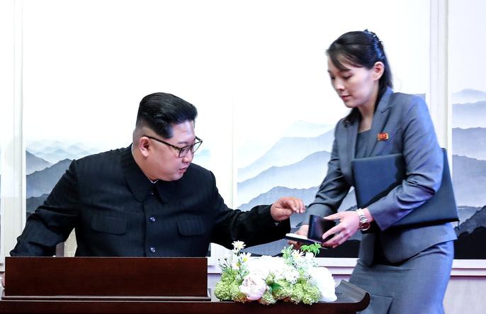 Video: Những khoảnh khắc khác thường ở biên giới liên Triều - Ảnh 25.