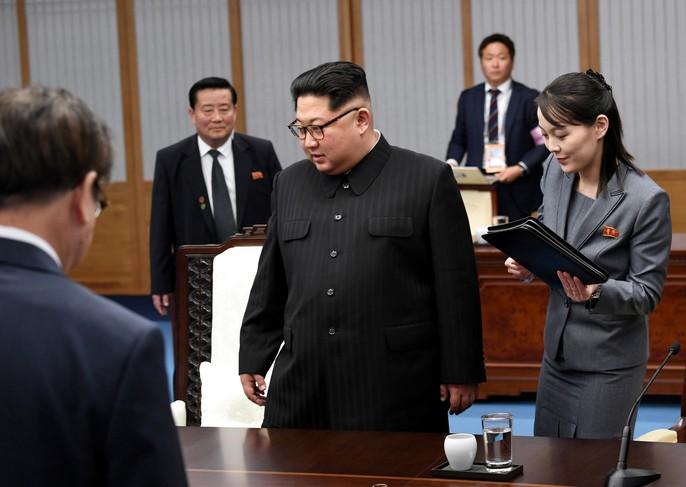 Video: Những khoảnh khắc khác thường ở biên giới liên Triều - Ảnh 21.