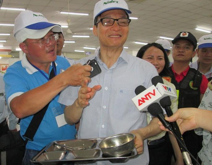 Phó Thủ tướng Vũ Đức Đam ăn cơm công nhân hơn 15.000 đồng/suất - Ảnh 6.