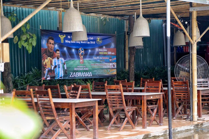 Ngập tràn không khí rạo rực của World Cup trước giờ bóng lăn tại Hà Nội - Ảnh 4.