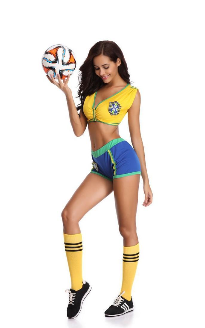 Nóng hơn khi mua trang phục sexy mùa World Cup - Ảnh 4.