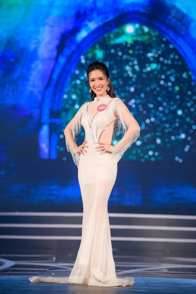19 thí sinh đầu tiên của vòng chung kết Hoa hậu Việt Nam 2018 - Ảnh 9.