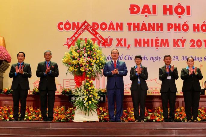Khai mạc Đại hội XI Công đoàn TP HCM: Bám sát thực tiễn, sâu sát với đời sống CNVC-LĐ - Ảnh 4.