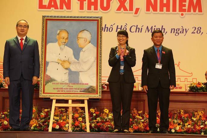 Khai mạc Đại hội XI Công đoàn TP HCM: Bám sát thực tiễn, sâu sát với đời sống CNVC-LĐ - Ảnh 6.