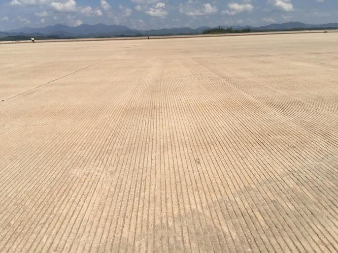 Soi trang thiết bị sân bay tư nhân đầu tiên trên cả nước - Ảnh 6.