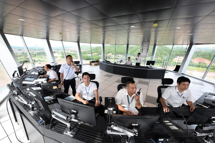 Soi trang thiết bị sân bay tư nhân đầu tiên trên cả nước - Ảnh 29.