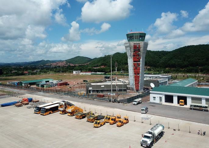 Soi trang thiết bị sân bay tư nhân đầu tiên trên cả nước - Ảnh 27.