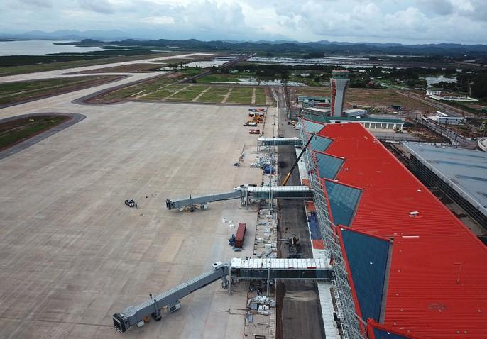 Soi trang thiết bị sân bay tư nhân đầu tiên trên cả nước - Ảnh 16.