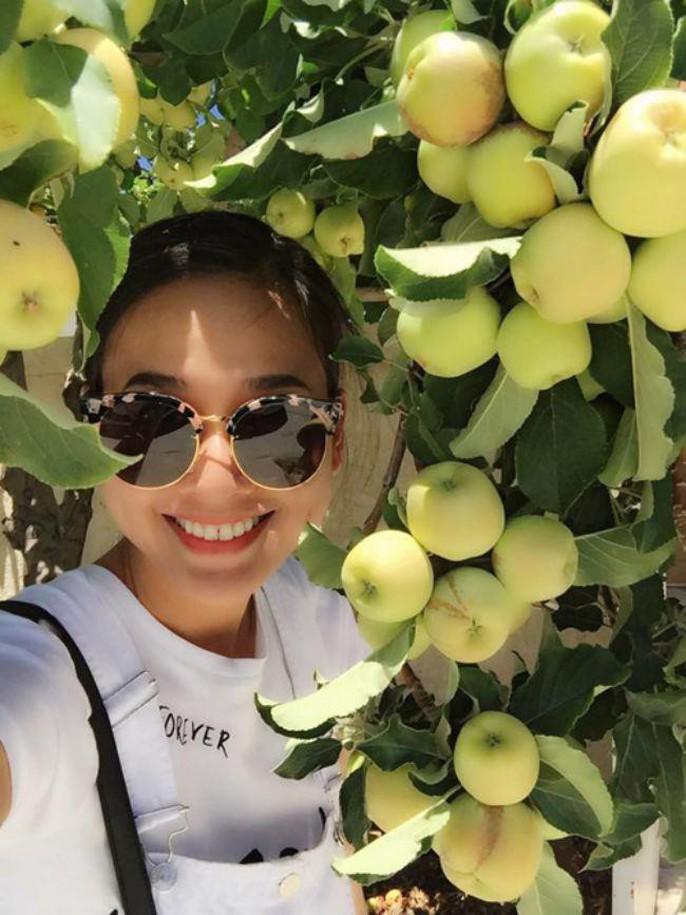 Hoa hậu Dương Mỹ Linh khoe vườn hoa hồng và cây ăn quả ở Mỹ - Ảnh 6.