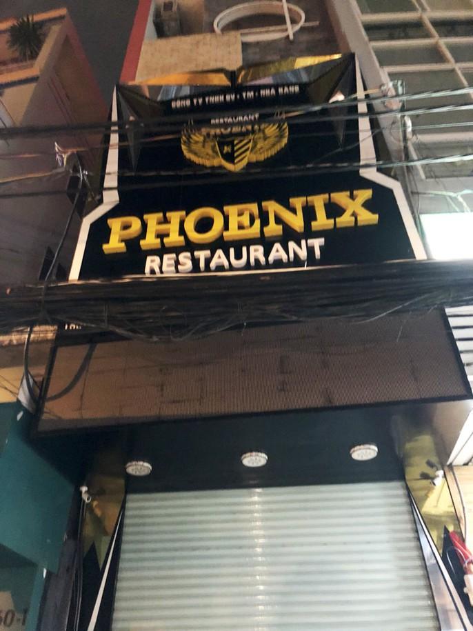 Nhà hàng Phoenix sập cửa, cản trở đoàn kiểm tra - Ảnh 1.