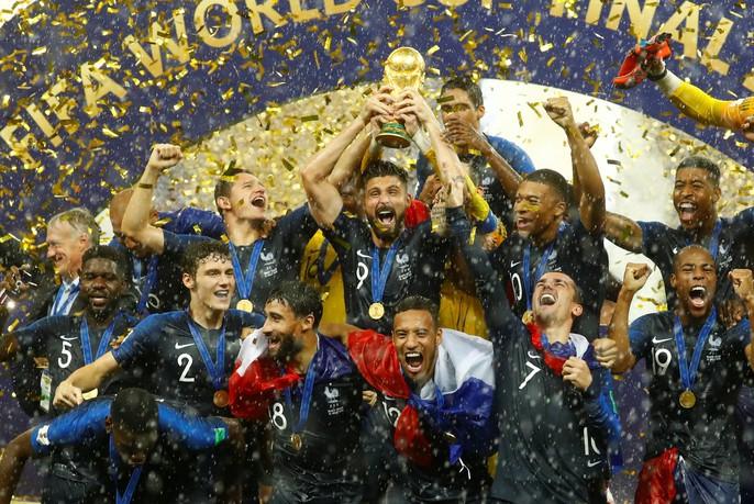 Nước mắt hào hùng vùng Balkan khi Croatia thua Pháp - Ảnh 17.