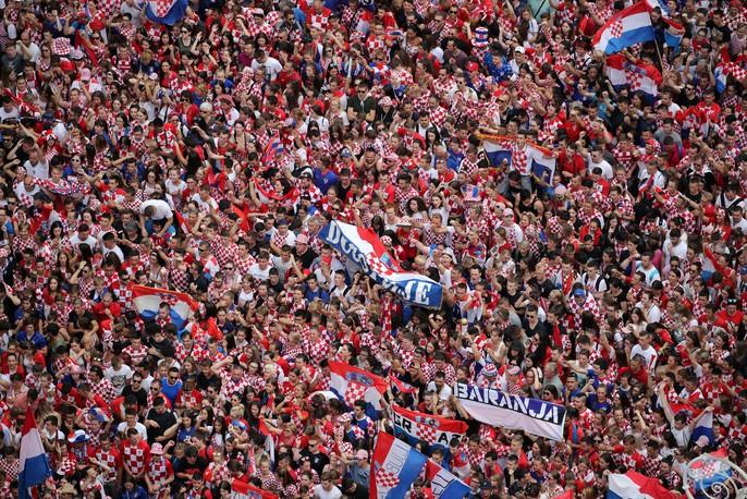Croatia được chào đón như người hùng tại quê nhà - Ảnh 8.