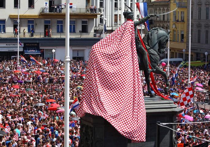 Croatia được chào đón như người hùng tại quê nhà - Ảnh 4.