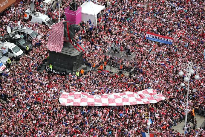 Croatia được chào đón như người hùng tại quê nhà - Ảnh 3.