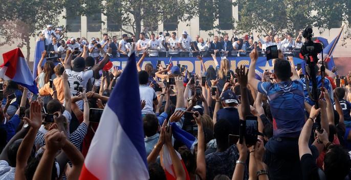 500.000 CĐV Paris xuống đường đón tuyển Pháp - Ảnh 32.
