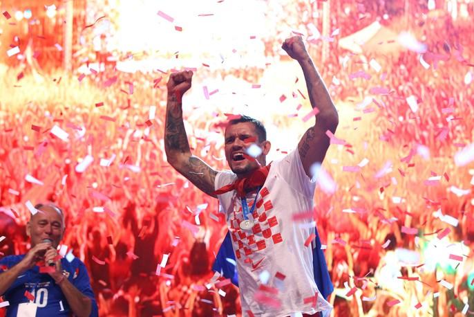 Croatia được chào đón như người hùng tại quê nhà - Ảnh 21.