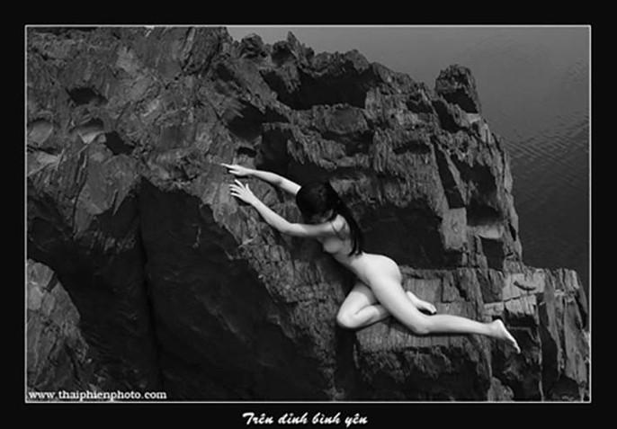 """Ngắm loạt """"Ảnh nude nghệ thuật"""" tại triển lãm quy mô quốc gia - Ảnh 37."""