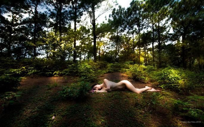 """Ngắm loạt """"Ảnh nude nghệ thuật"""" tại triển lãm quy mô quốc gia - Ảnh 24."""