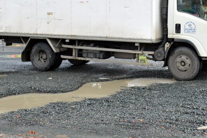 Dân TP Cà Mau kêu cứu vì đường xuống cấp nghiêm trọng - Ảnh 13.
