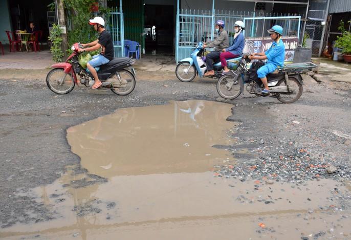 Dân TP Cà Mau kêu cứu vì đường xuống cấp nghiêm trọng - Ảnh 3.